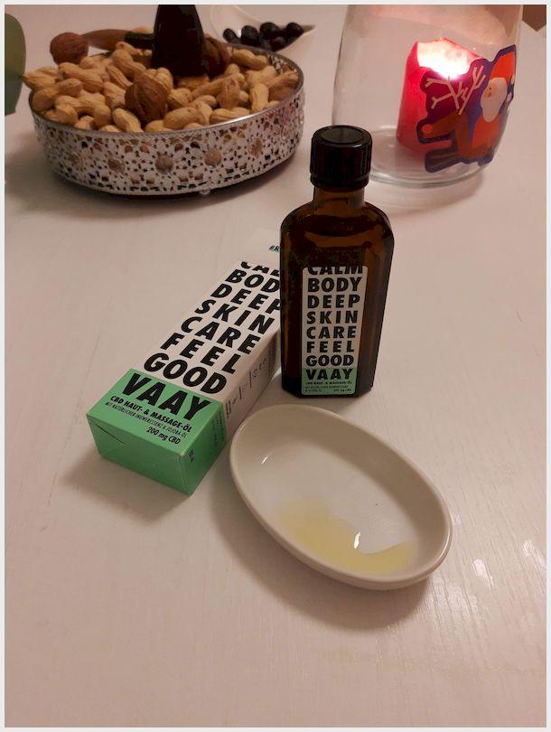 VAAY Massage Öl mit CBD